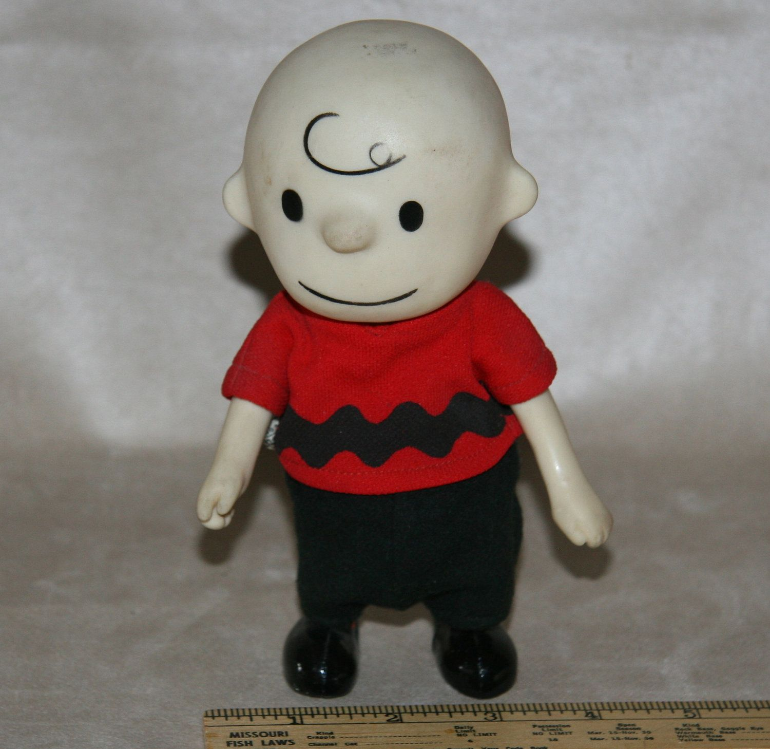 1960s 1966 Charlie Brown Charles Schulz Peanuts Pocket Doll United Features Syndicate San Francisco Via Etsy Vintage Toys Toy Collection Cool Toys