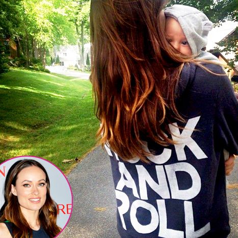 Rolling With Her Homie Olivia Wilde Finally Shared A Second Little Peek Of Her And Jason Sudeikis Baby Boy Celebrity Baby Pictures Olivia Wilde Baby Pictures