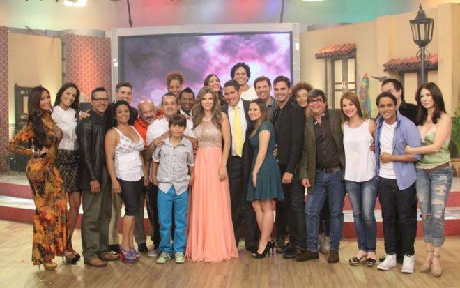 """Nicolás Maduro: """"TVES está demostrando que sí se puede hacer una buena y mejor televisión"""" #MaduroEsPuroPueblo"""