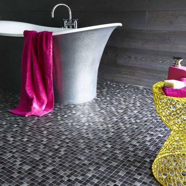 Badezimmer Bodengestaltung Durch Mosaikfliesen
