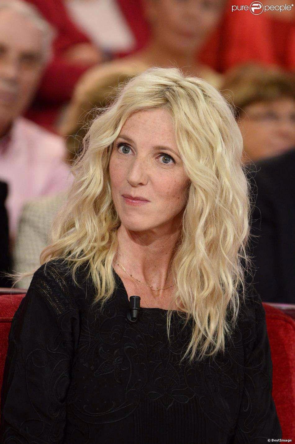 Blond Wavy Sandrine Kiberlain Sandrine Kiberlain Coiffure Longue Coupe Cheveux Long