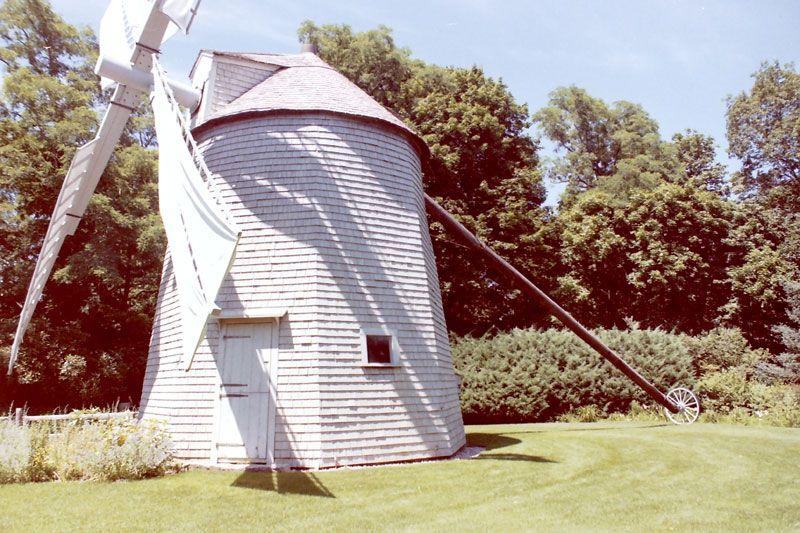 Cape Cod Windmill | Sandwich Windmill, Heritage Plantation, Sandwich Massachusetts
