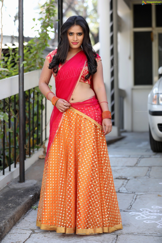 Check Out Beautiful Telugu Actress Anusha Parada In Half Saree Telugu Actress Images Half Saree Saree Saree Photoshoot