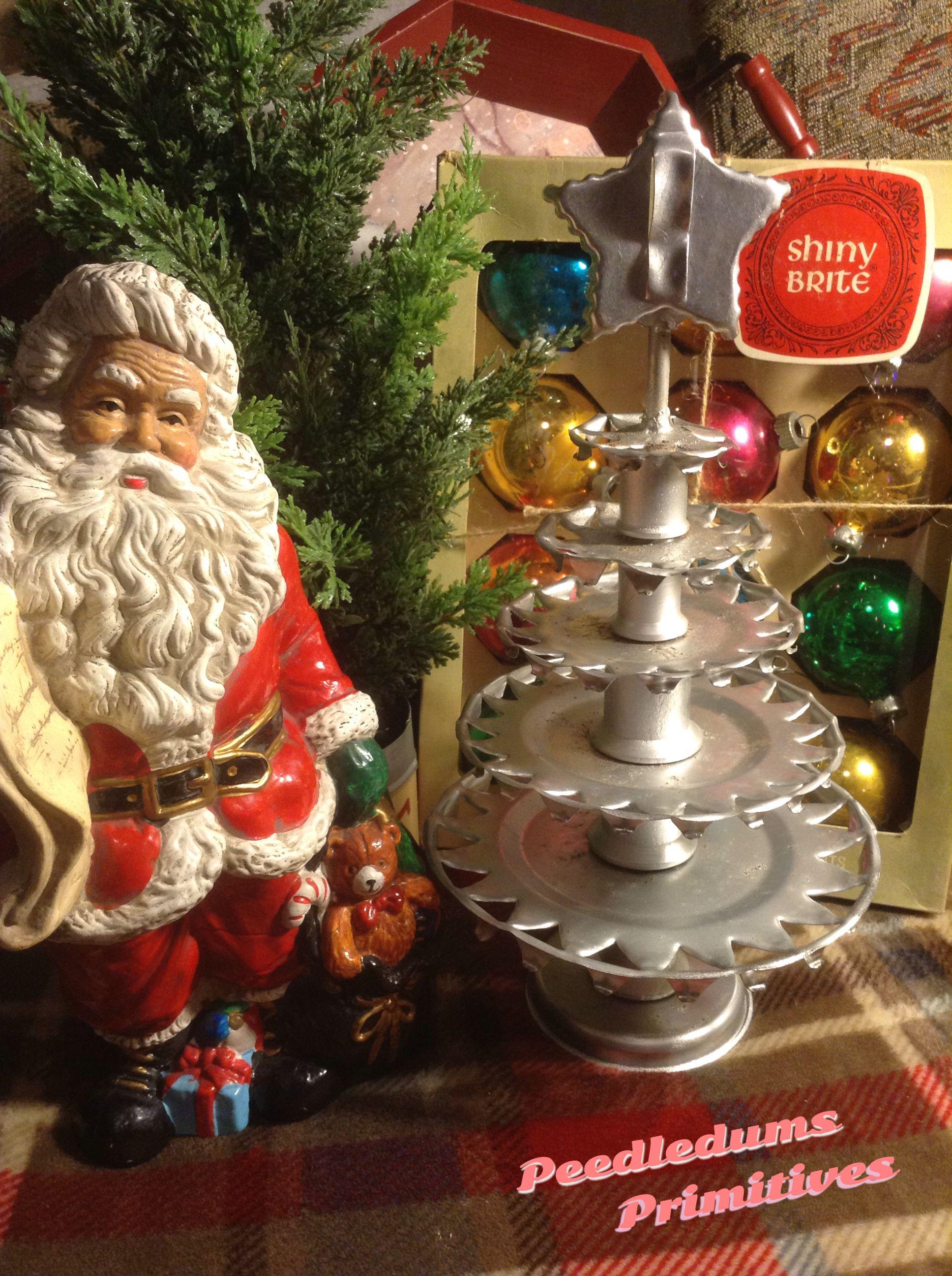 Tramp art tin Christmas tree Peedledums Primitives