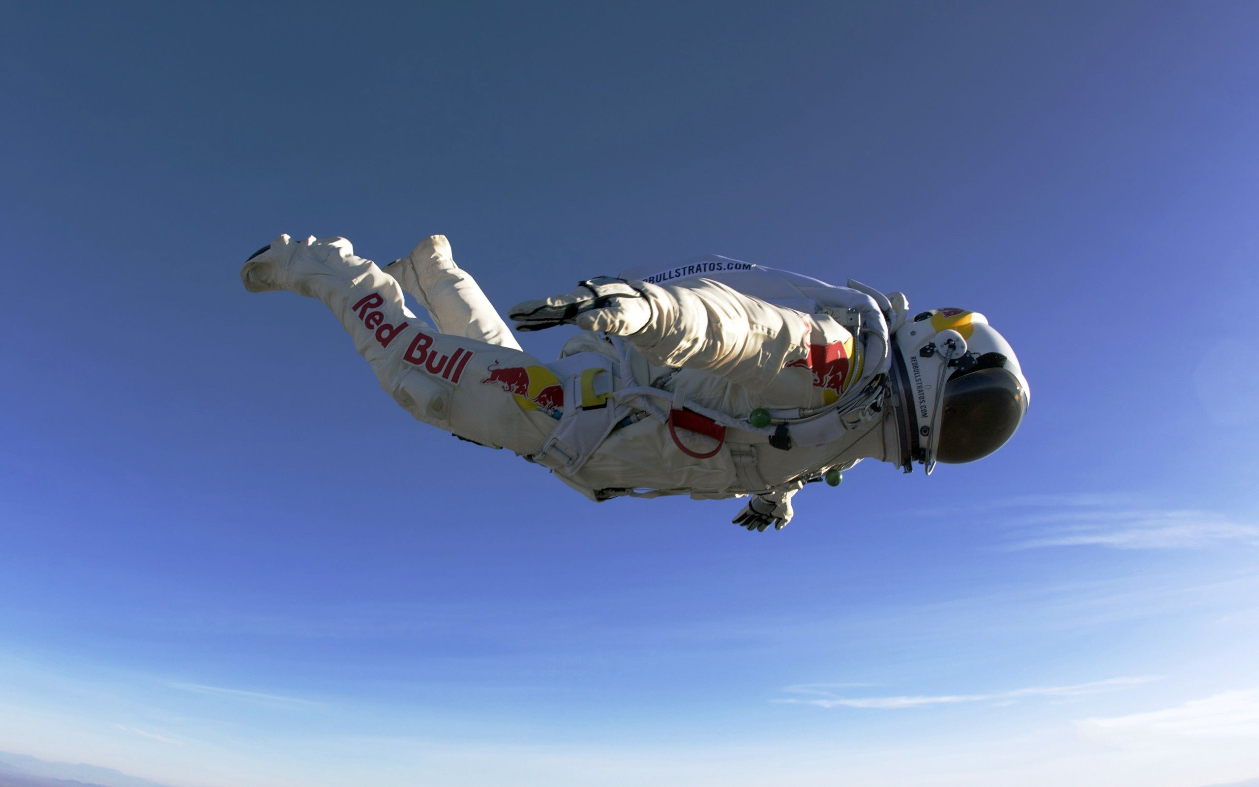 Skydive Free Fall Sports Wallpaper: Skydiver Breaks Record For Manned Balloon Flight At 23