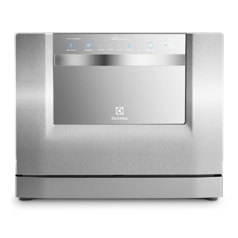 Uma Lava-Louça com 6 serviços. Permite que a louça de até 6 pessoas seja lavada de uma só vez. Adequada para o uso familiar. Seu modelo compacto e com design arrojado economiza espaço em sua cozinha e garante um visual ainda mais moderno para sua cozinha. Porta com acabamento em aço inox e painel Blue Touch traz mais beleza e facilidade para limpeza. Conta com 5 programas de lavagem e função Eco, que economiza água, energia e produtos de limpeza.