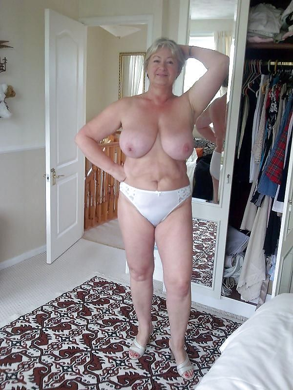 so many nude women