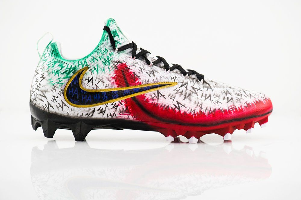 Comic Joker Untouchable 2 Sneaker Art Mens Football Cleats Football Cleats