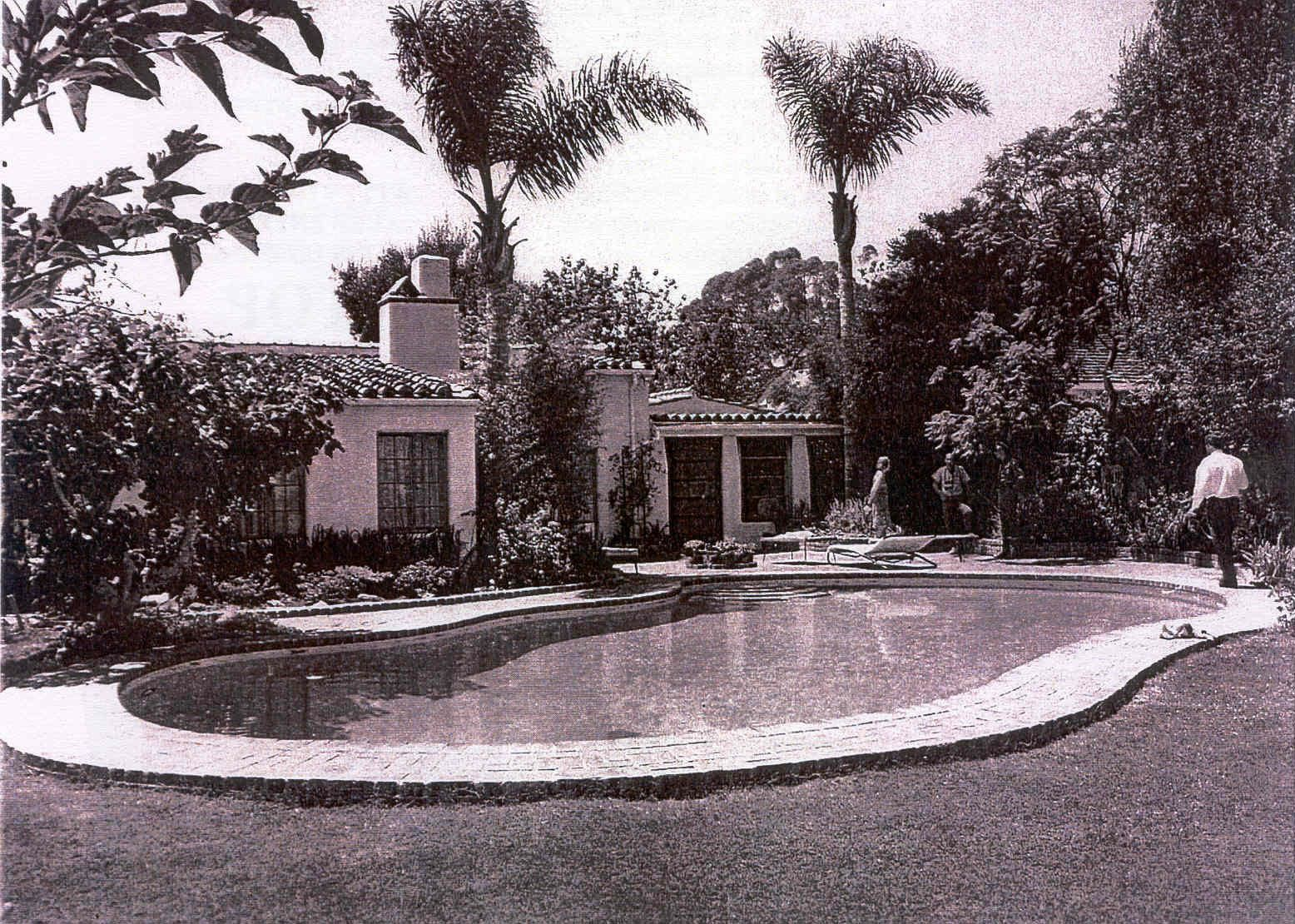 Marilyn Monroe's swimming pool, Fifth Helena Drive, 1962