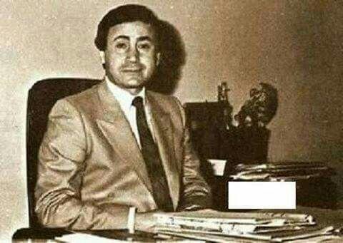 قدامه الملاح مقدم برنامج العلم للجميع معا كامل الدباغ ولد سنه 1949 توفي في النمسا 1999 Baghdad Baghdad Iraq Sketches Of People