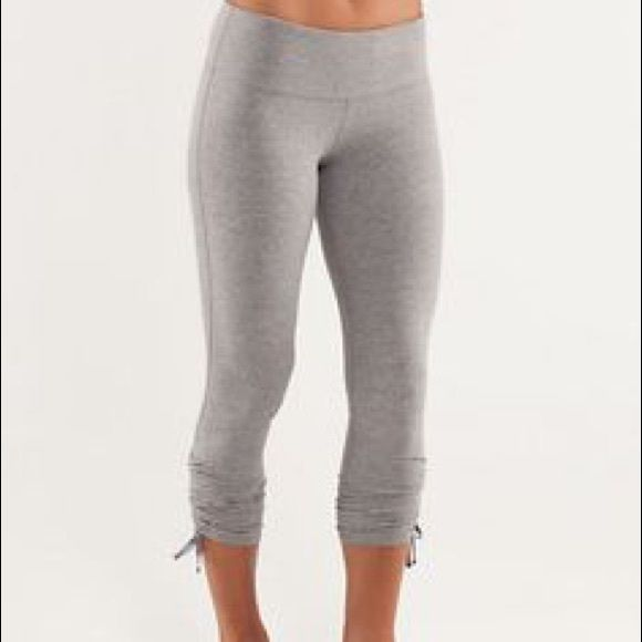 aa781798937942 Lululemon Wandering Yogi Crop 6 EUC Wandering yogi crop 6 light gray. Cute  adjustable ruching on sides. Will go lower elsewhere. lululemon athletica  Pants ...