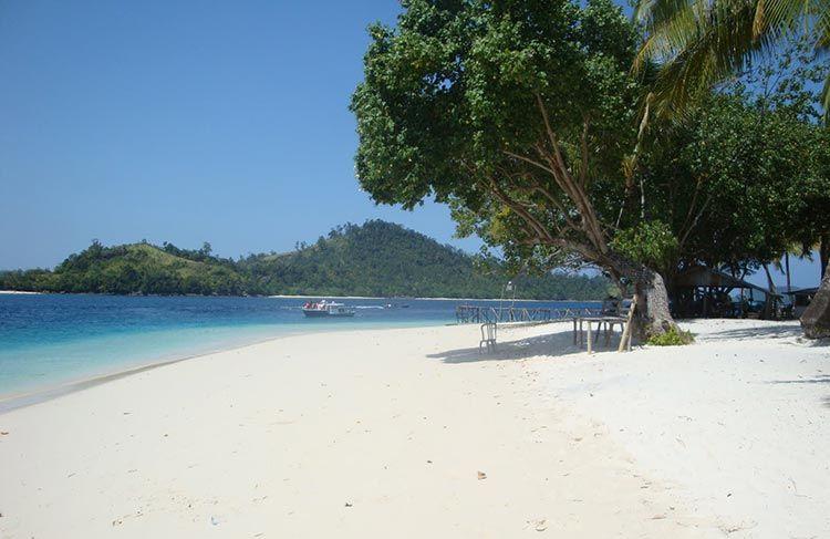 Pesona Indah Wisata Pantai Carita Banten | Pantai, Pesisir ...