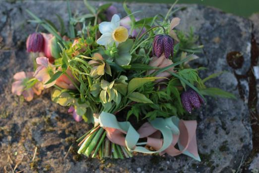 Why you should choose seasonal blooms for your spring wedding – in support of British Flowers Week 2015