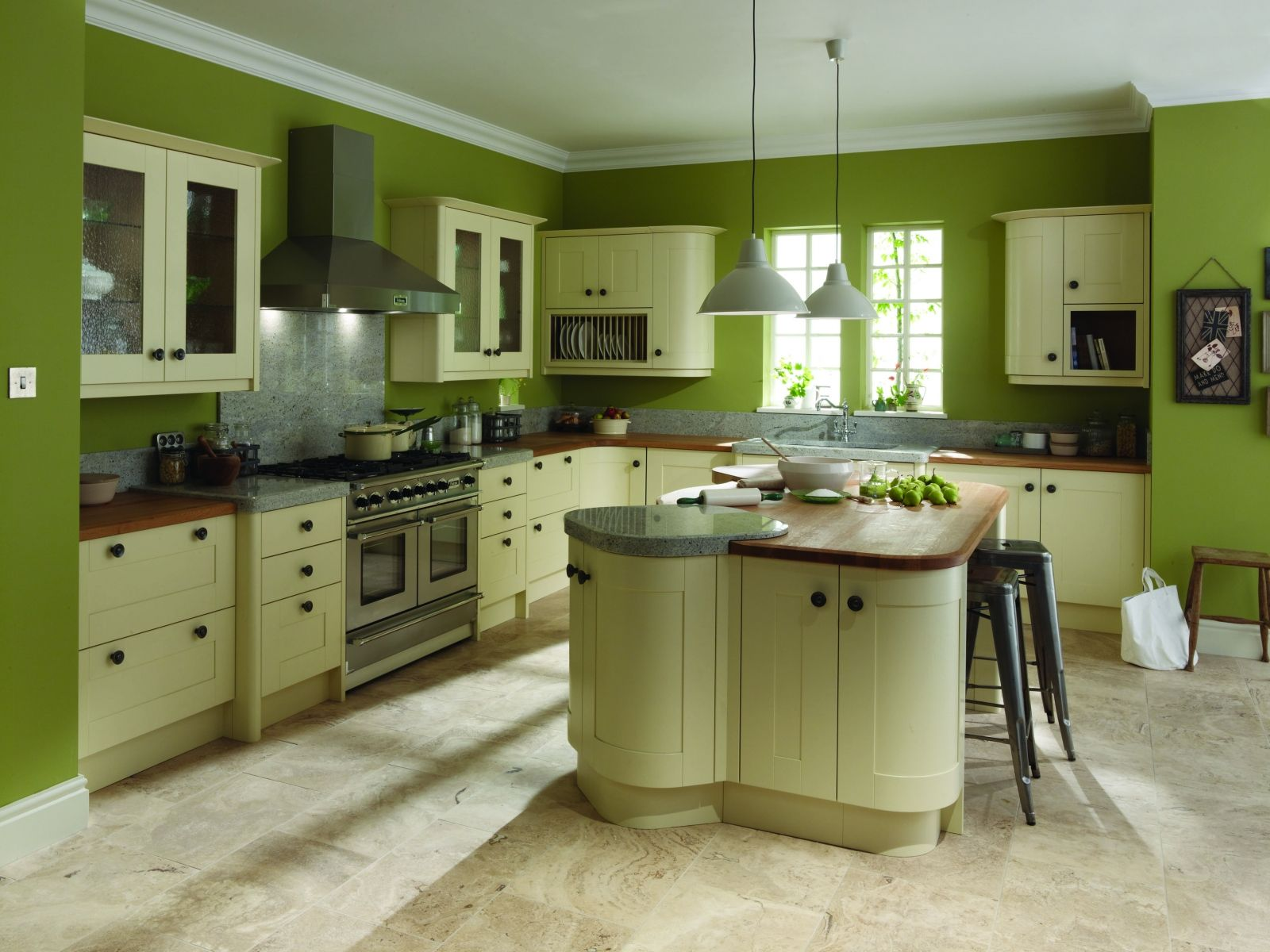Green kitchen walls for fresh and natural looking kitchen blue