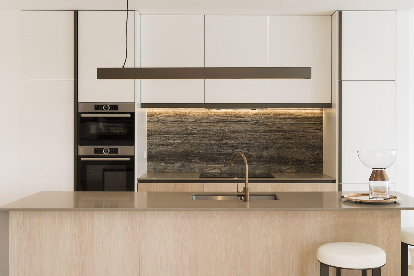 Perfecto Diseño De La Cocina De Pequeño Apartamento En Malasia ...