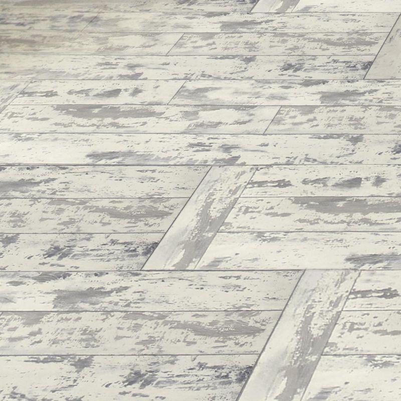 Colours Leggiero White Distressed Oak Effect Laminate Flooring 1 72m Per Pack