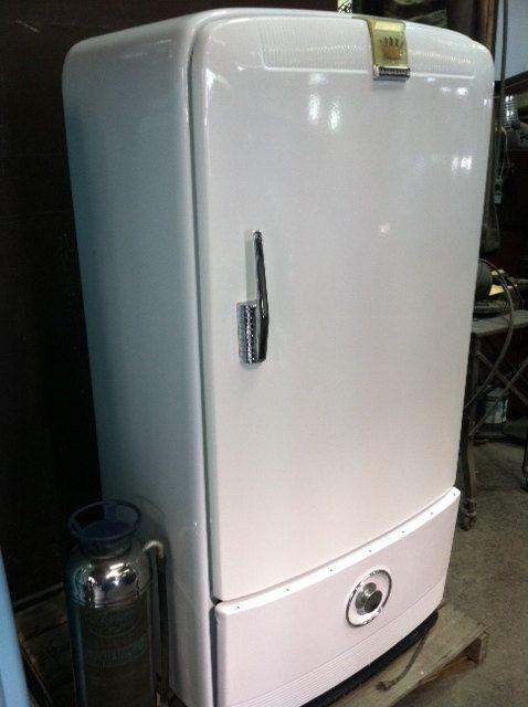 vintage frigidaire refrigerator beautiful condition for the home pinterest frigo cuisine. Black Bedroom Furniture Sets. Home Design Ideas
