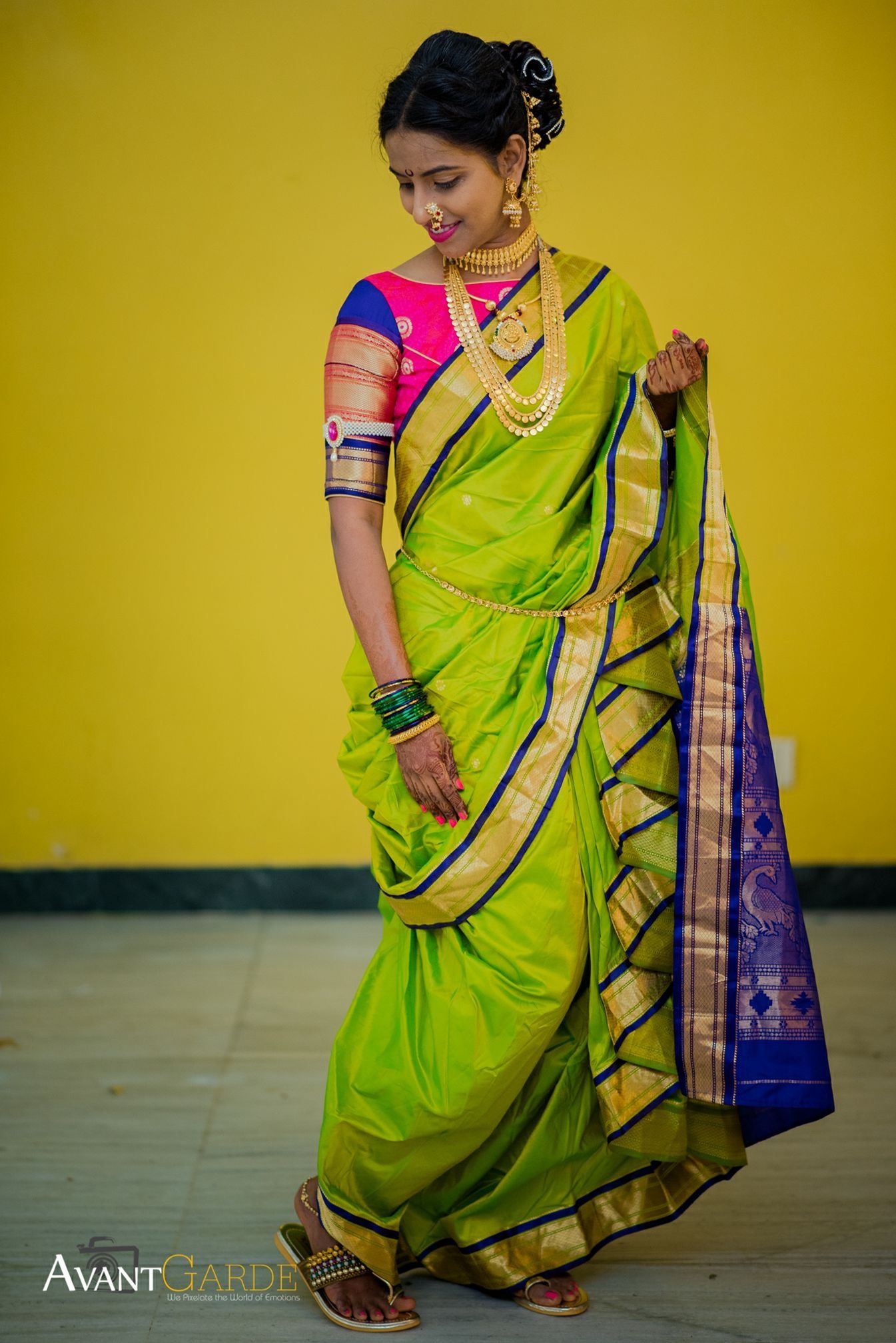 Pin By Harshal Vhatkar On Indian Bridal Saree Wedding Indian Wedding Dress