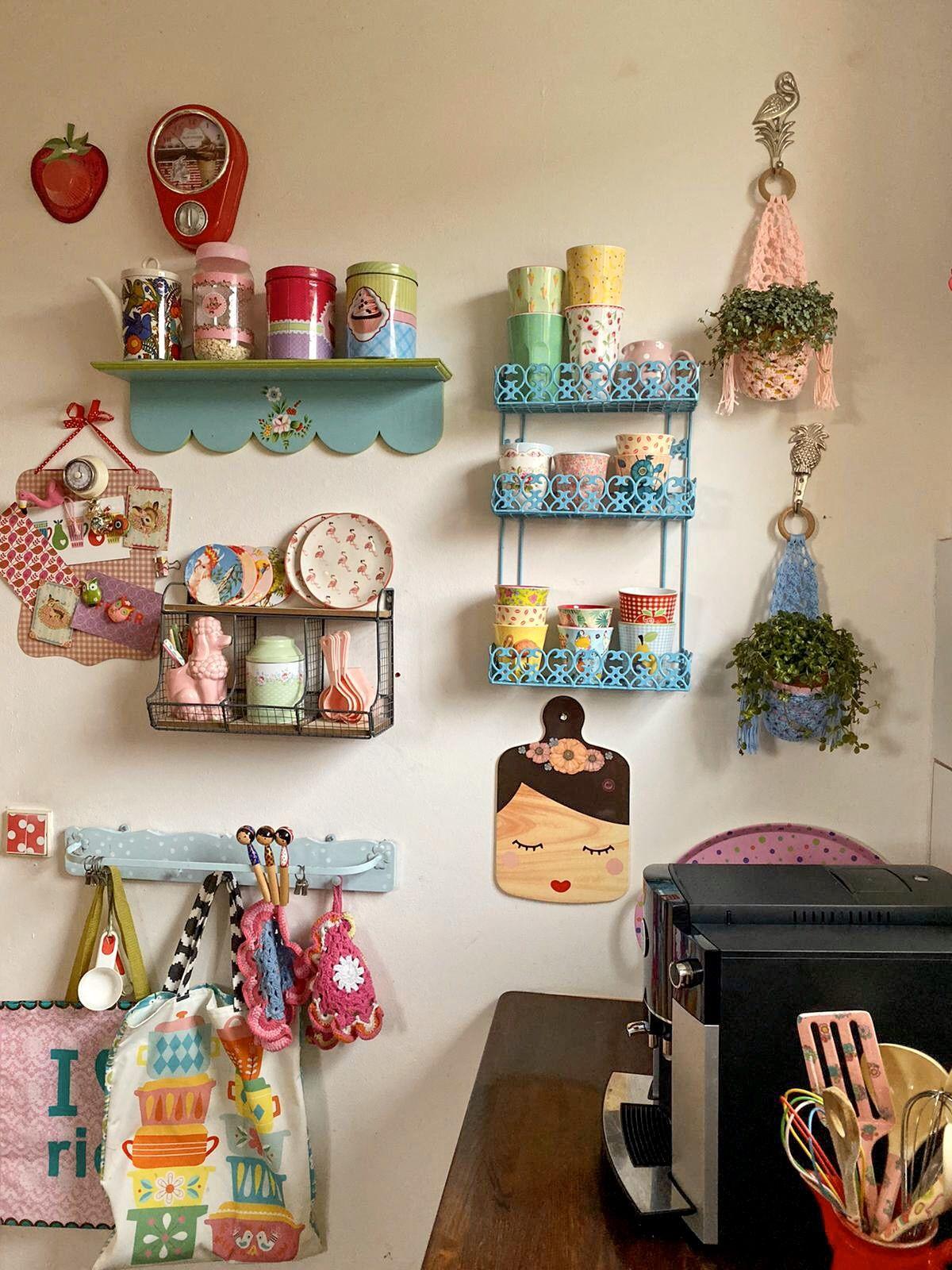 Pin Von Arlette Rush Auf Kitchens Of The Home Bunte Kuche Kuche Bunt