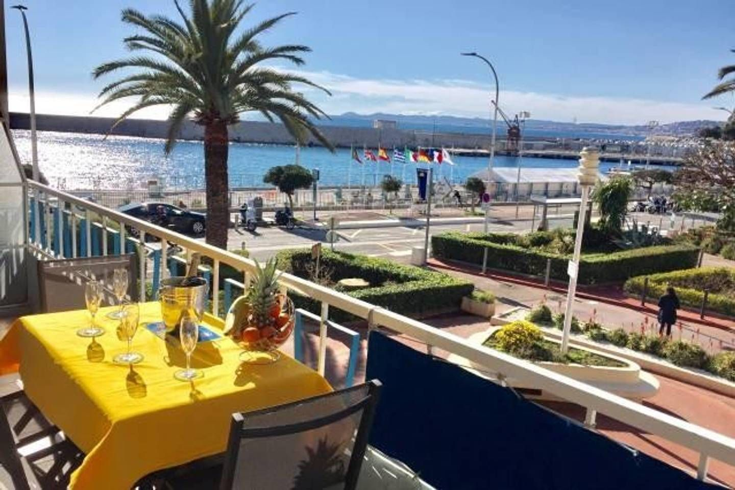 Luxury Ious Apt 2br Sea View Beach And Port Apartments