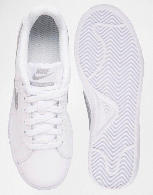zapatillas de deporte blancas y plateadas royal de nike