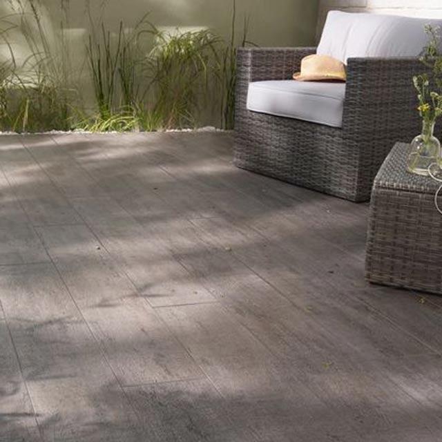 Carrelage extérieur Bosko Anthracite 20 x 120 cm - CASTORAMA - carrelage terrasse exterieur imitation bois
