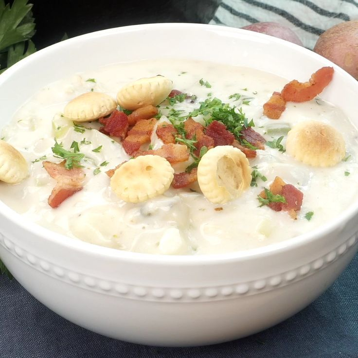 New England Clam Chowder Recipe - Butter Your Bisc