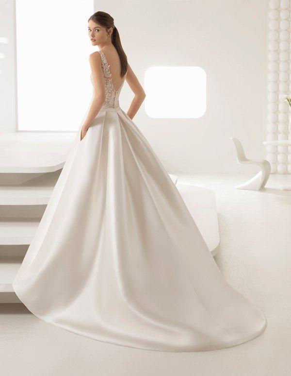 Pretty Ponytails to Wear on your Wedding Day - Sleek wedding ...