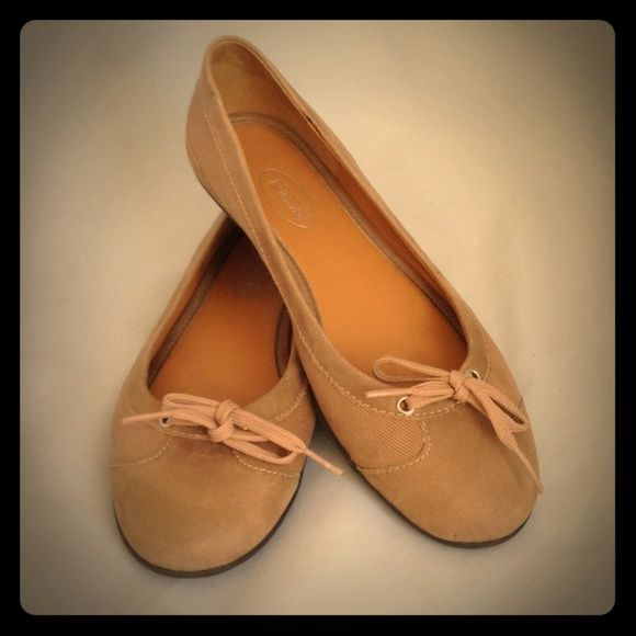 Talbots Ballet Flats - Size 8.5B Tan Twill and Gold Leather Toe Ballet Flats. Very good used condition. There are a few stains on the heel portion of the flats (see pic 4). Talbots Shoes Flats & Loafers