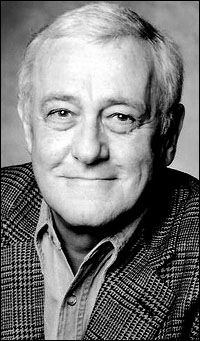 """John Mahoney...great gay actor from """"Frasier"""""""