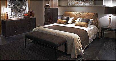 Chambre à coucher en cuir et bois laqué