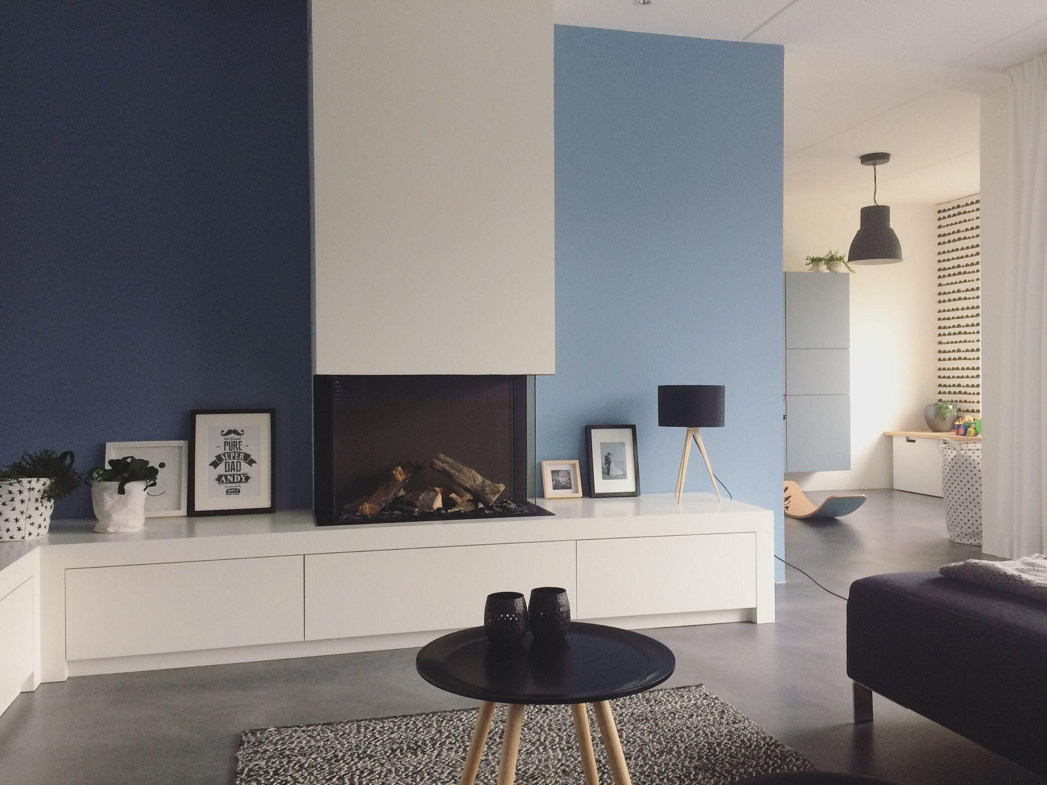 Open haard gashaard moderne open haard met dressoir grijsblauwe