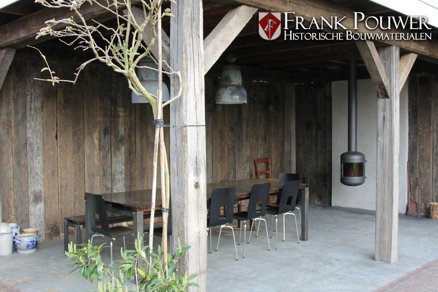 Oud eiken wagonplanken en oud eiken balken voor een overkapping inspiratie met oud hout - Deco oud huis met balk ...