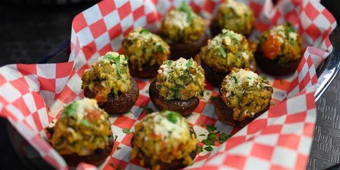 Valerie Bertinelli's Stuffed Mushrooms #valeriebertinellirecipes Valerie Bertinelli stuffs mushrooms with veggies, breadcrumbs and cheese #valeriebertinellirecipes