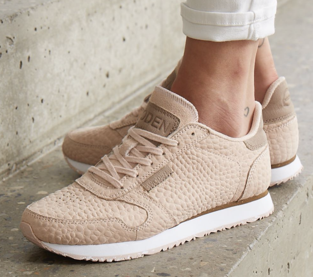 nike internationalist oud roze