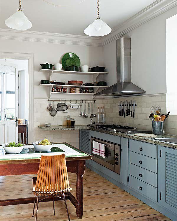Una casa british en el campo andaluz | Cocina de pino, El ala oeste ...