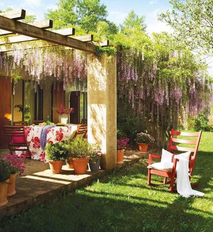 zauberhaft blühender Blauregen im Garten | Pergola Hof | Pinterest ...