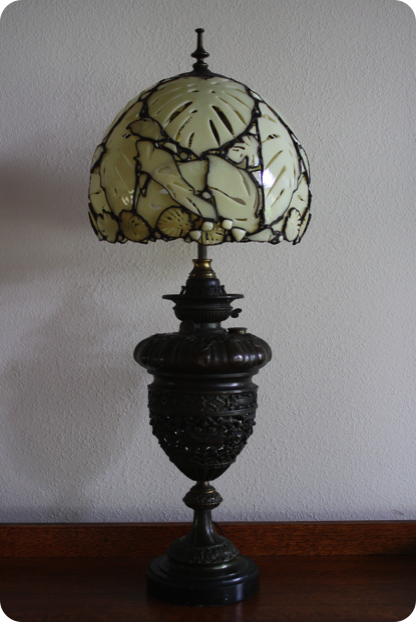 Pin By Hermes Ramirez On Lamps Victorian Lamps Art Deco Lamps Stained Glass Lamps