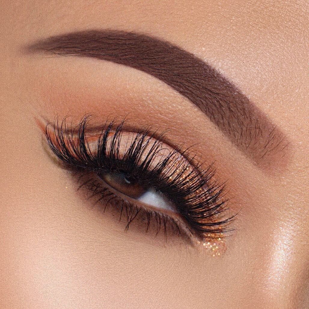 These stunning eye makeup are perfect for Spring