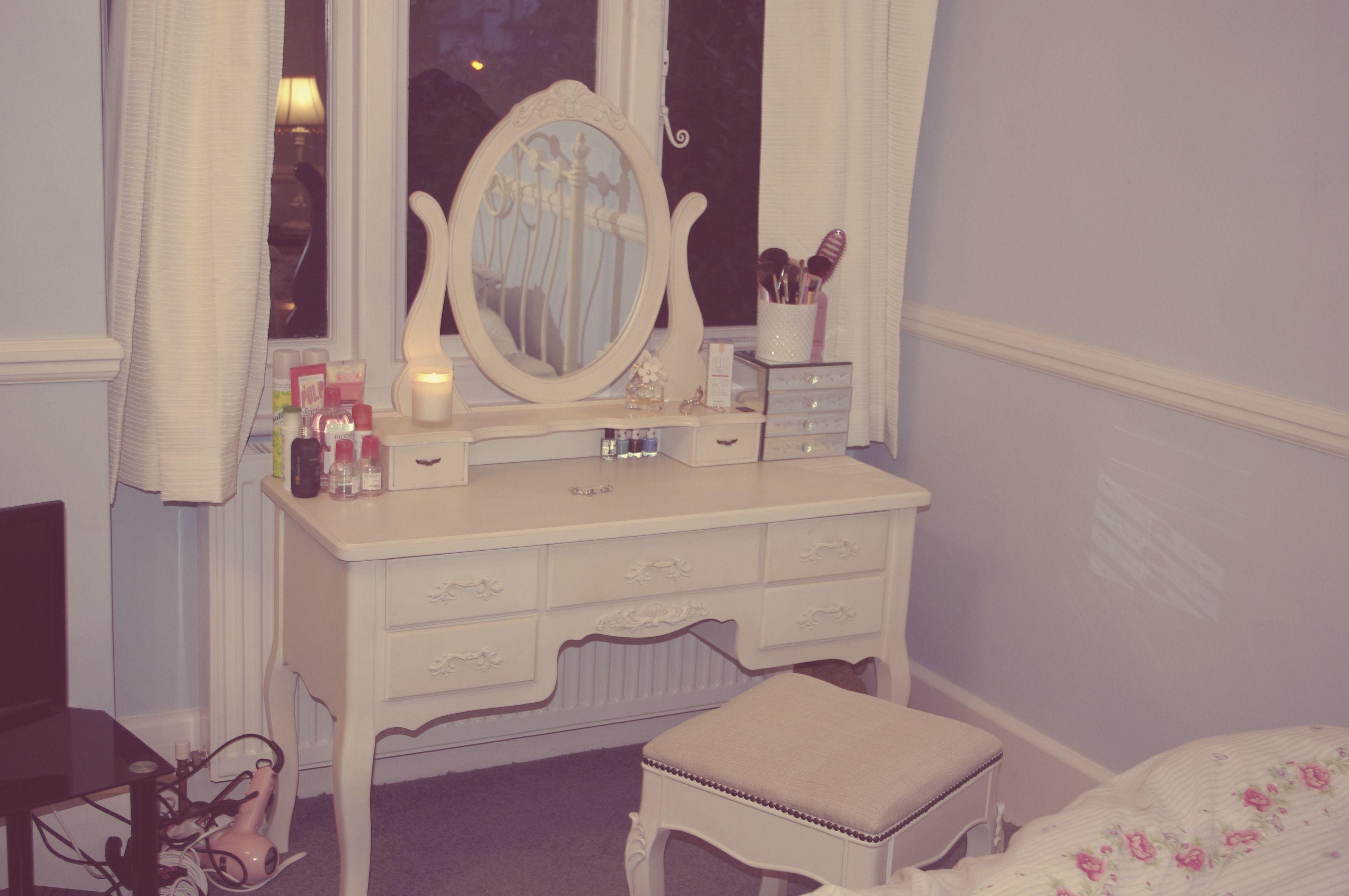 Vintage vanity dream home pinterest vintage vanity and vanities