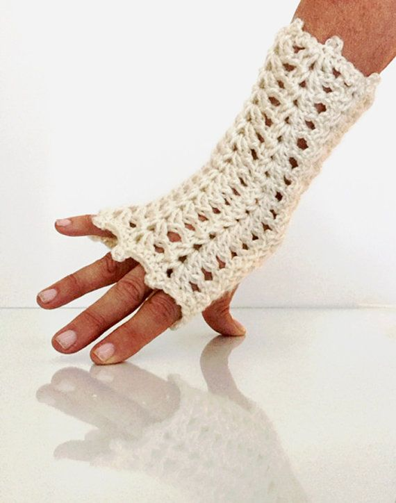 Claire Outlander Thistle Fingerless Gloves Cream Black Lace Lacy ...