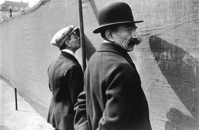 Classic photography by master henri cartier bresson · black white