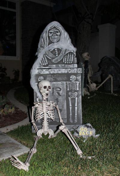 Diy Halloween Cemetery wwwimgkid Halloween Pinterest