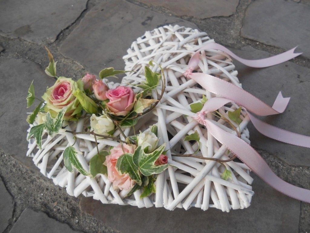 Porte alliance fleur naturelle mariage pinterest for Decoration fausse porte mariage