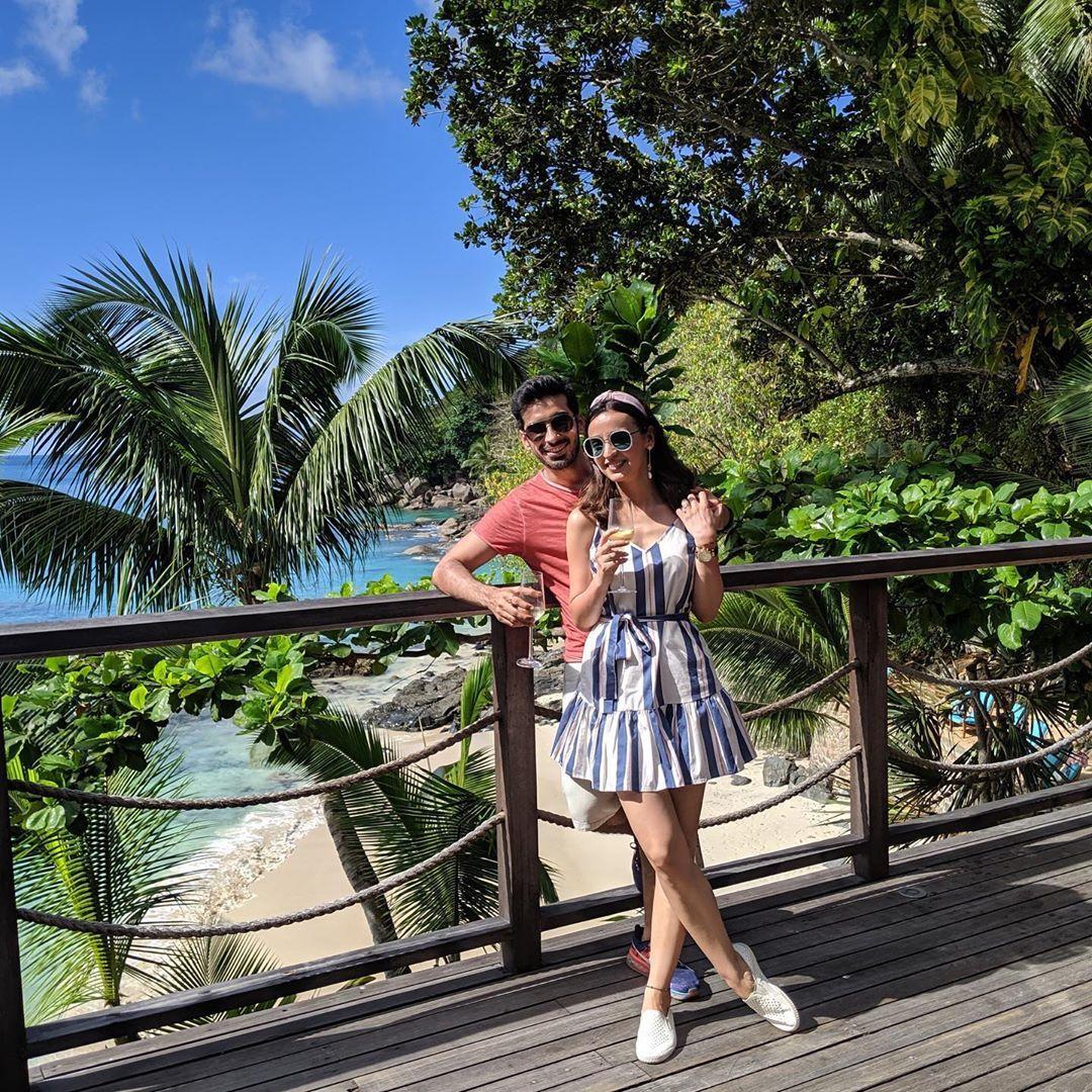92 9k Likes 495 Comments Sanaya Sanayairani On Instagram Happy Birthday Hubby Itsmohitsehgal Love You Celebrity Couples Celebrities Hubby