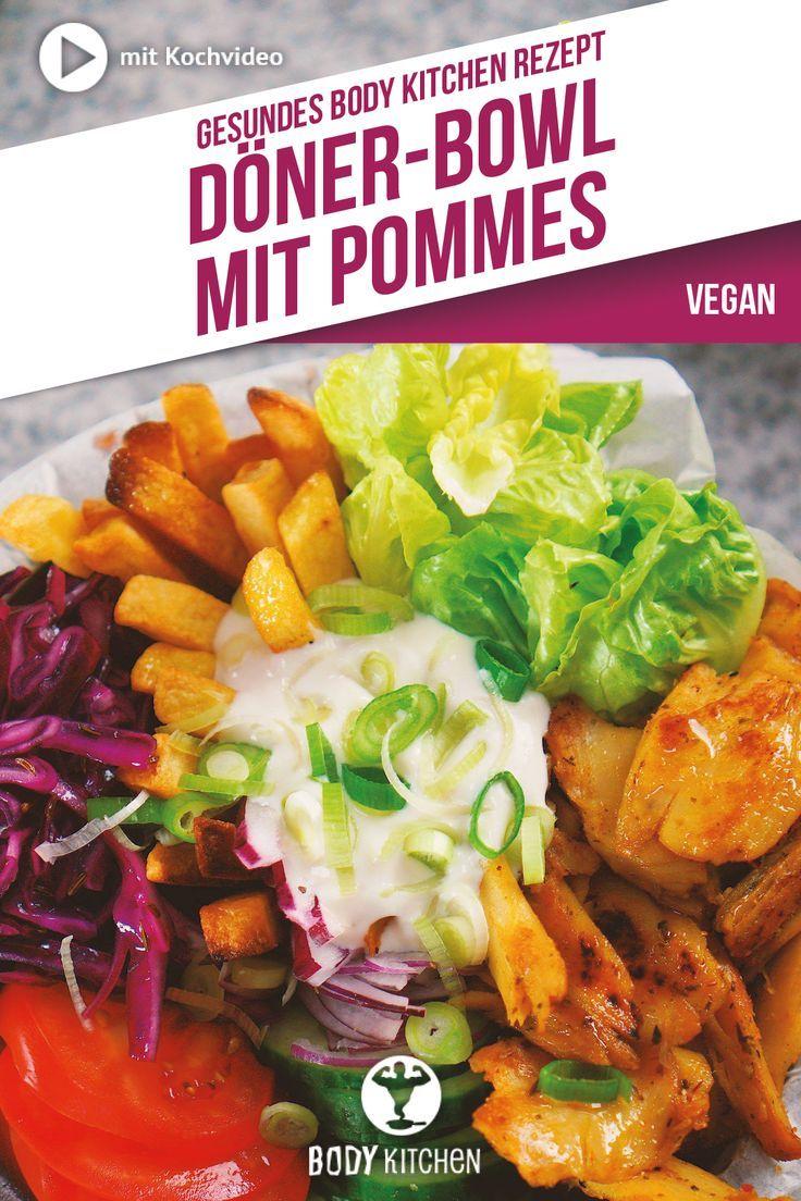 Die Fitness-Döner-Bowl mit veganem Sojafleisch, viel Gemüse und knusprigen Pommes solltest du unbedi...