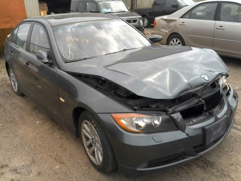 2006 Bmw 325i Passenger Side Fender 121k Cars Trucks Sports Car Truck Parts