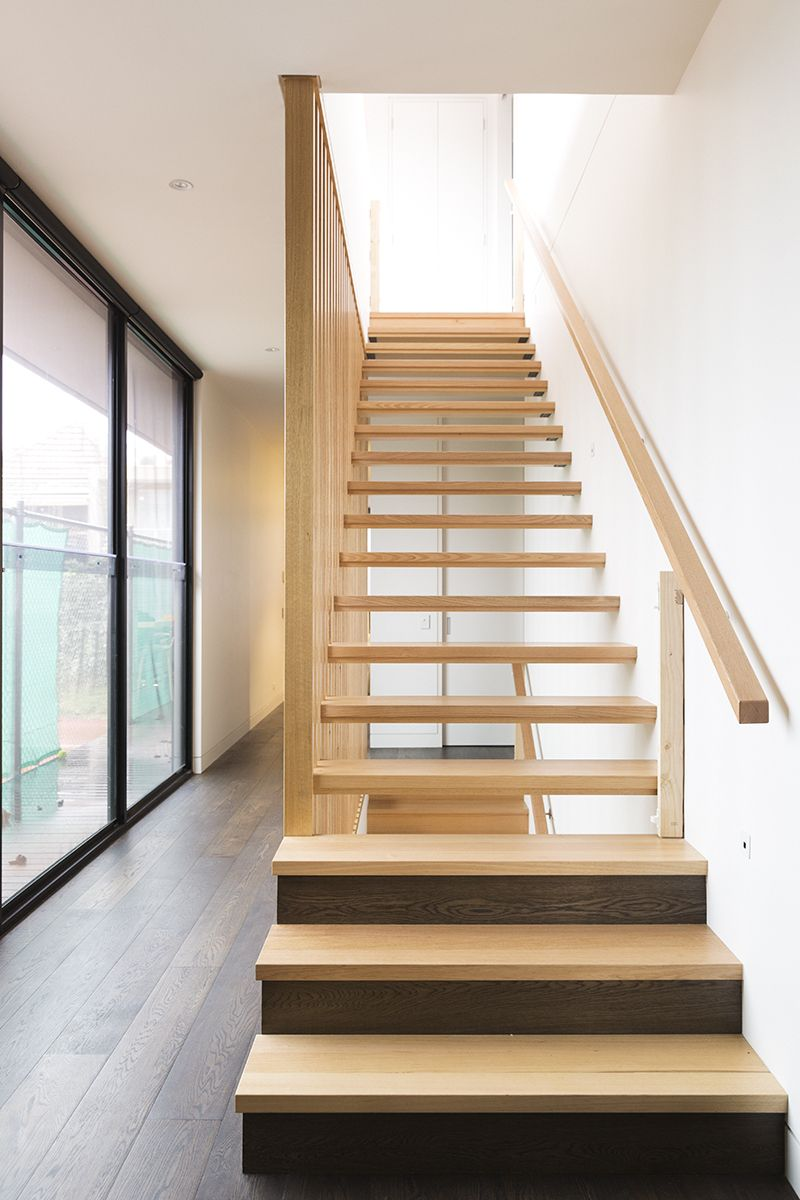 Best Stairs Victorian Ash Timber Stained Slat 400 x 300