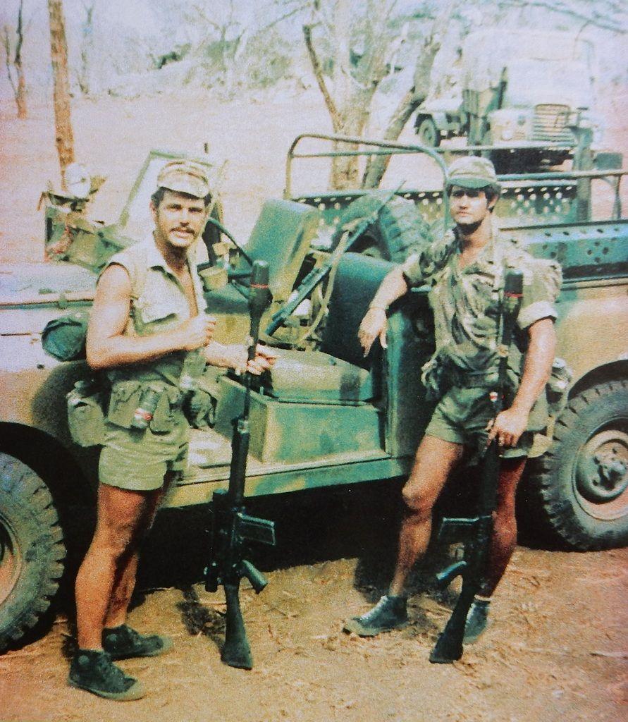 rhodesian bush war   Fallschirmjäger, Afrikaner, Kriegerin