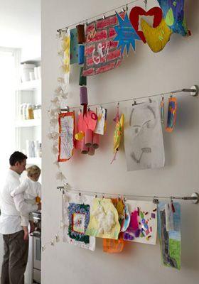 Cómo poner las obras de arte de nuestros hijos en casa, porque les encanta que las pongamos
